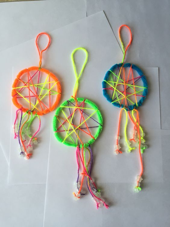 Easy dream catchers for kids made with pipe cleaners for How to make dream catchers easy