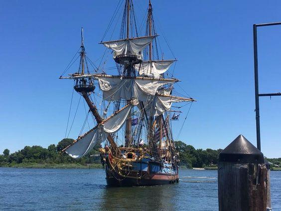 10. Sail the seas on the Kalmar Nyckel.