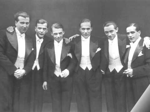 Liebesleid  -  Comedian Harmonists  -  1933  Juden werden aus Gesangvereinen ausgeschlossen.  16 August 1933.