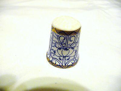 Thimble FB China Royal Worcester Historic Patterns thru Ages '93 Royal Lily