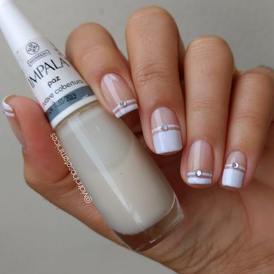 Unhas decoradas simples 💅🏻 #NailArt #Branco ❤️