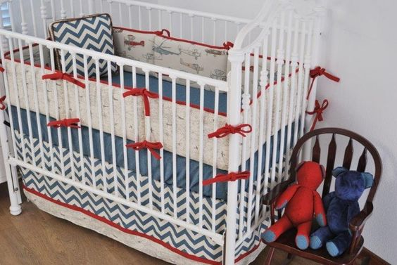 blue-and-Red-Vintage-Airplane-bedding-in-the-custom-nursery.jpg (736×492)