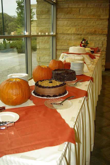 The Russian Honey Cake was not yet on display in this picture. Too bad cause it was the best one! :)   cake