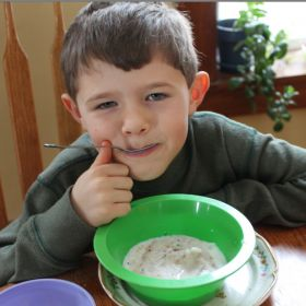 Homemade snow ice cream – Try this dairy-farmer-tested, kid-approved snow ice cream recipe, made with only 4 ingredients.