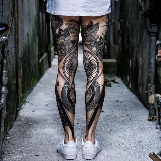 Leg sleeve tattoo  #dotwork #blackwork #legs #sleeve #tattoo #tattooed #ink #inked #back #black #symmetry #symmetrie #schwarz #beine #tätowiert #oberschenkel #waden
