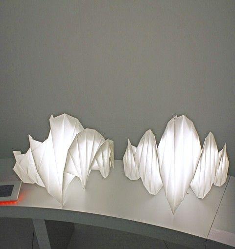 Além de lindas, econômicas, já que usam tecnologia de LED, e sustentáveis,  feitas com material 100% reciclável