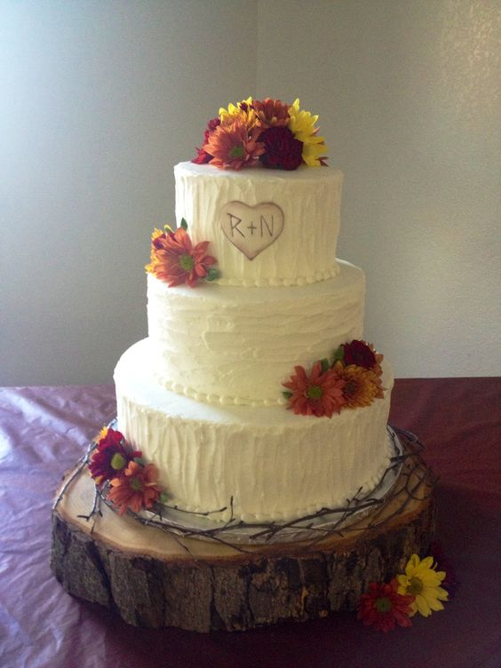 Rustic wedding cake made by Teresa Lynn Cakes LLC