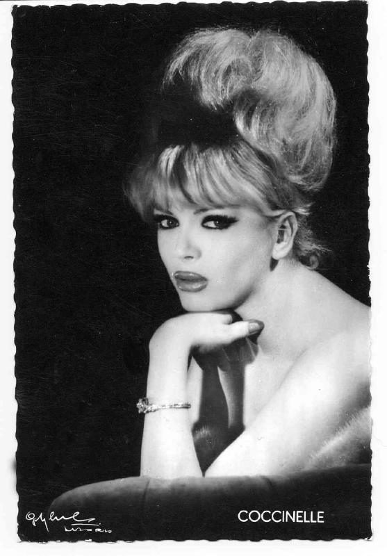 coccinelle vintage trans pinterest actresses pictures of and paris. Black Bedroom Furniture Sets. Home Design Ideas