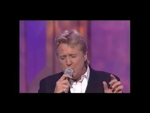 Joe Longthorne Mbe The Des O Connor Show Youtube Itv Shows Shirley Bassey