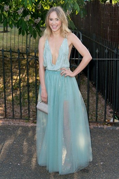 Suki Waterhouse em Valentino - Vogue Portugal
