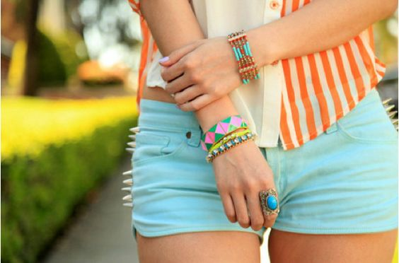 Love those colors! Especially the shorts!