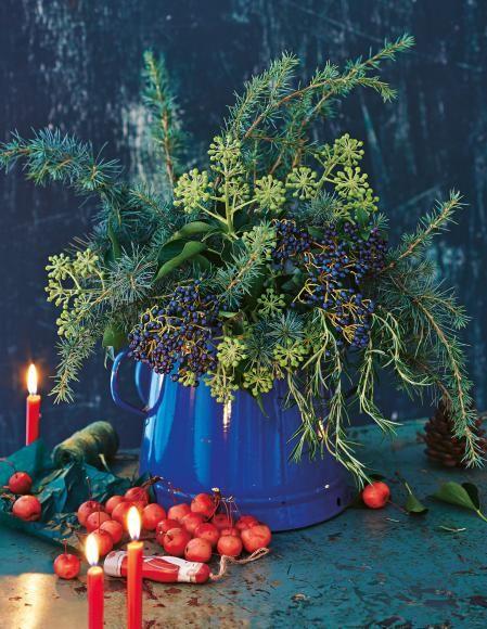 Winterstrauß - Ideen zum Nachmachen: Winterstrauss mit leuchtenden Beeren - [LIVING AT HOME]