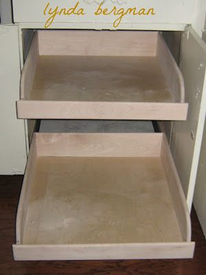 Lynda Bergman Decorative Artisan: PULL OUT DRAWERS ON SLIDES FOR MY KITCHEN