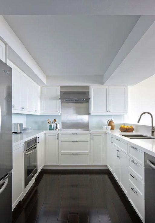 Modern Shaker Style Kitchen: Anne Hepfer Designs: Contemporary U Shaped Kitchen Design