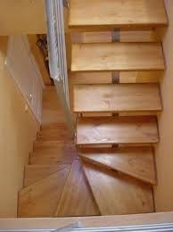 Escalones escaleras madera y hierro poco espacio - Escaleras poco espacio ...