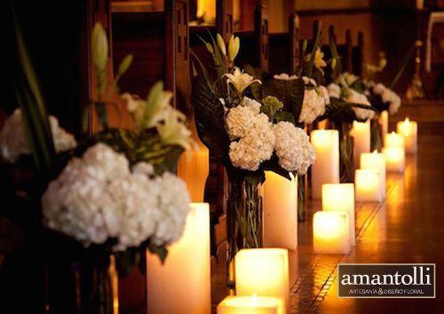 Matrimonio Simbolico Con Velas : Bancas de iglesias con flores blancas y velas cuadradas