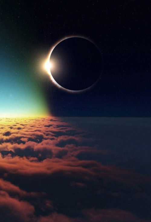 Eclipse from 35,000 feet. Reminds me on Halo - the Game. | Beautiful PicturZ : http://ift.tt/1qLND8E [Via Pinterest]