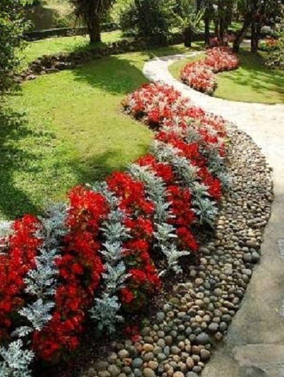 Jardines sencillos y peque os con piedras buscar con for Jardines naturales pequenos