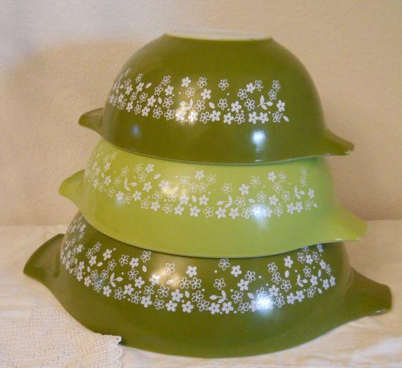 Vintage Pyrex Mixing Bowls Set Cinderella Green Spring Blossom on Etsy, $47.00