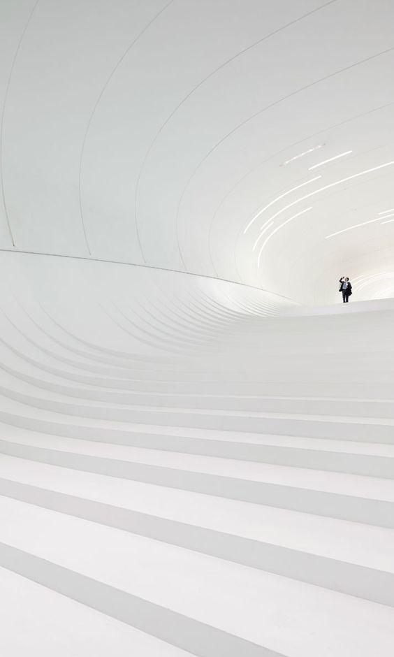 The Heydar Aliyev Center By Zaha Hadid Architects In Baku, Azerbaijan | photo © Hufton + Crow / http://www.yatzer.com/heydar-aliyev-center-baku-azerbaijan-zaha-hadid-architects