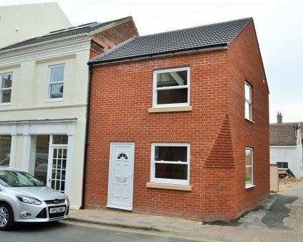 A BRAND NEW two storey house offering an open plan lounge with kitchen area, downstairs cloakroom, good size double bedroom and en suite. Town centre location and benefiting from UPVC double glazing and gas central heating. £560pcm