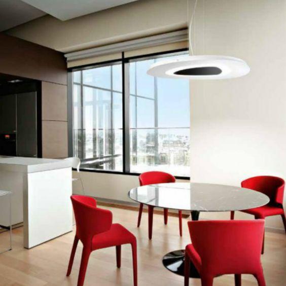 Gea Luce, azienda italiana che produce corpi luminosi anche con sorgente led. Design pulito e forma delicata.