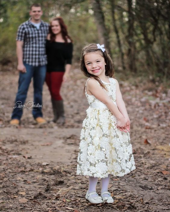 family photography, family of 3 photography pose, Jacksonville NC photographer, www.laurenchristinephotography.com