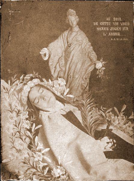 Photo prise par Céline. A l'infirmerie, avant la levée du corps.  sainte-Therese-de-Lisieux 46