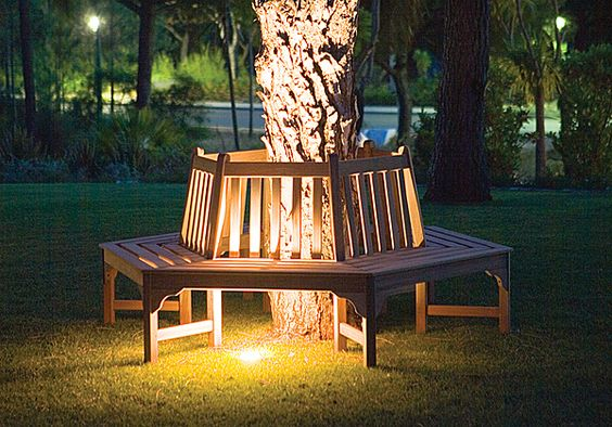 Circular Bench I Need One Of These Around My Big Tree Pull Up The Bushes And Viola Not To