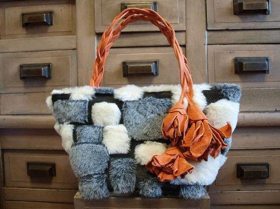 幾何学模様のようなイタリアのファー生地に、レーザーの花の茎が持ち手になったバッグです。W33cm×H16cm マチ17cm  持ち手32cm|ハンドメイド、手作り、手仕事品の通販・販売・購入ならCreema。