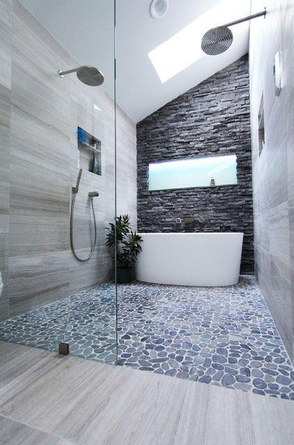 Sol en galets dans la douche italienne  http://www.homelisty.com/douche-italienne-33-photos-de-douches-ouvertes/