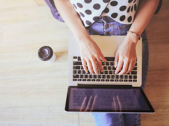 Es müssen nicht immer H&M und Zara sein. Wir zeigen euch die fünf besten und günstigsten Online-Shops, die definitiv in eure Shopping-Routine gehören.