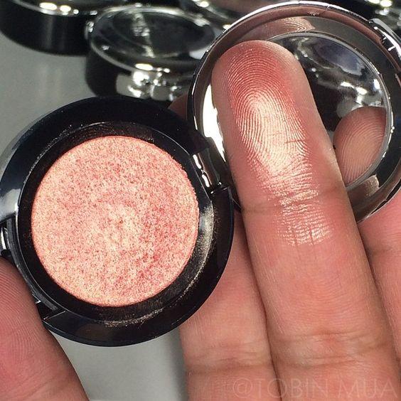 Nyx single Eyeshadow Golden Peach PS07: