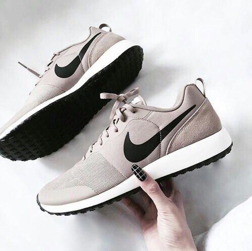 Imagem de nike, shoes, and sneakers