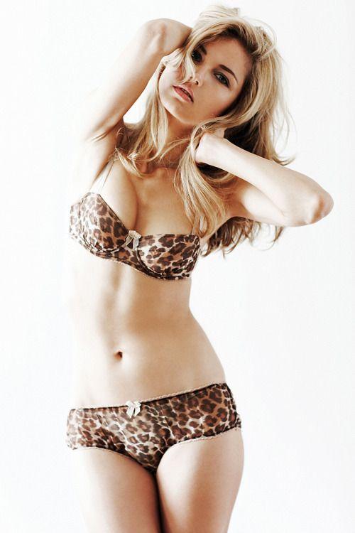 Scarlett johansson pussy