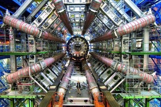 Pourquoi le CERN abandonne l'offre Workplace de Facebook