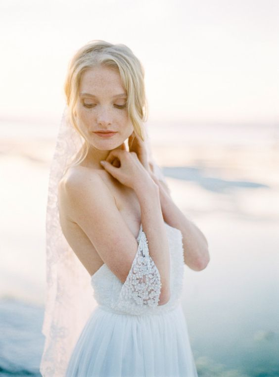 Fine Art bridal accessories by SIBO Designs - coastal bridal session ideas | Wedding Sparrow | thecablookfotolab