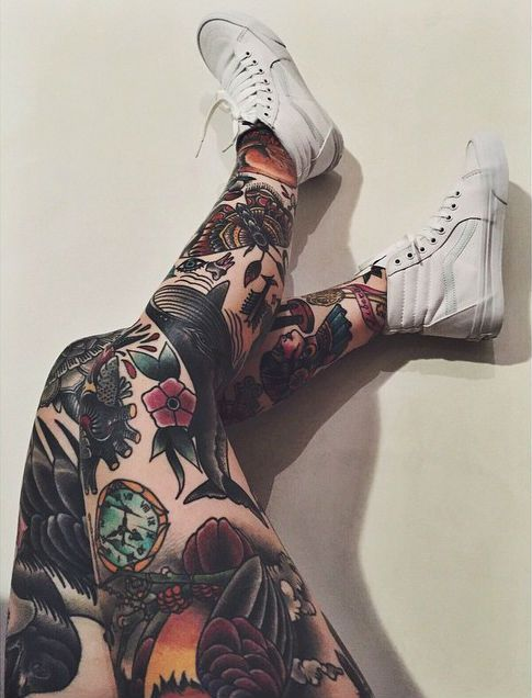 Tattoos and Modifications : Foto