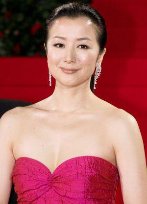 ピンクのドレスと鈴木京香