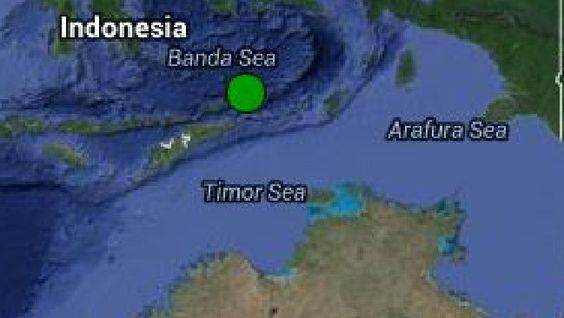 A TEAR in the sea floor seven kilometres deep just north of Australia could cause disastrous earthquakes and tsunamis.