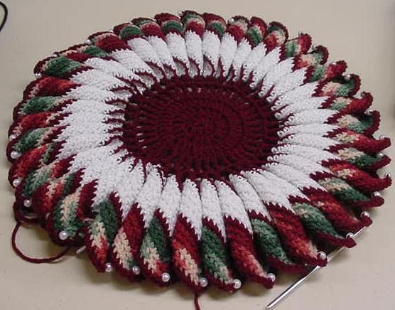 Free Downloadable Christmas Crochet Patterns : Ididachains Dolly Doily Page - free crochet pattern ...