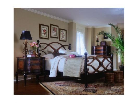 California King 6/0 Low Post Bed | Preston Ridge Hooker    I really like the way the headboard and footboard are carved out.