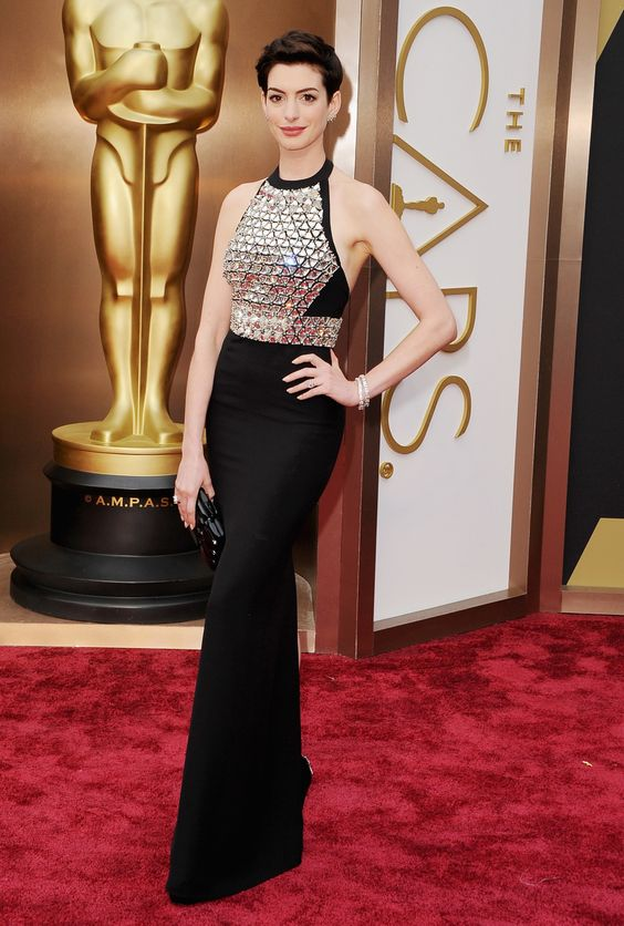 Anne Hathaway in Gucci: