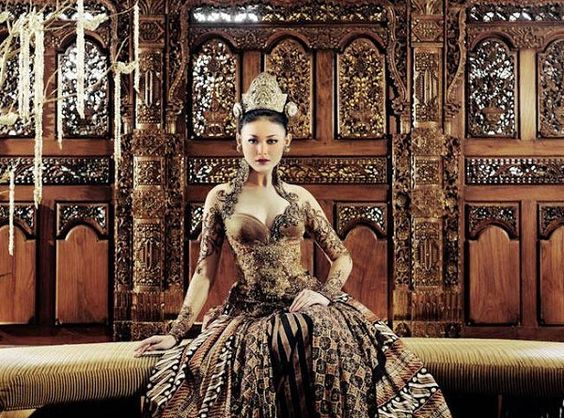 Whulandary Herman wear kebaya | traditional fashion | Pinterest ...