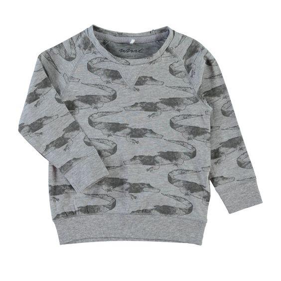 Coole longsleeve van Name It met grafische alligatorprint. Boord onderaan en aan de mouwen.   Merk: Name It Kleur: Stormy Sea (grijs-groen)
