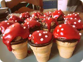 Der Geburtstag war toll! Mehr als gelungen :)  Ich dachte, ich habe viiiel zu viel gebacken, (Kuchen, Muffins & Plätzchen) aber nein, es is...