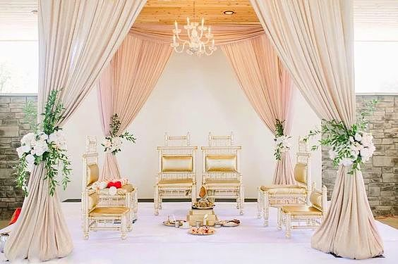 Love This Wedding Decor Created By Perfect Affair Eventdesign Centerpieces Flowers Floralarrangement Weddingch Hindu Wedding Mandap Decor Toronto Wedding