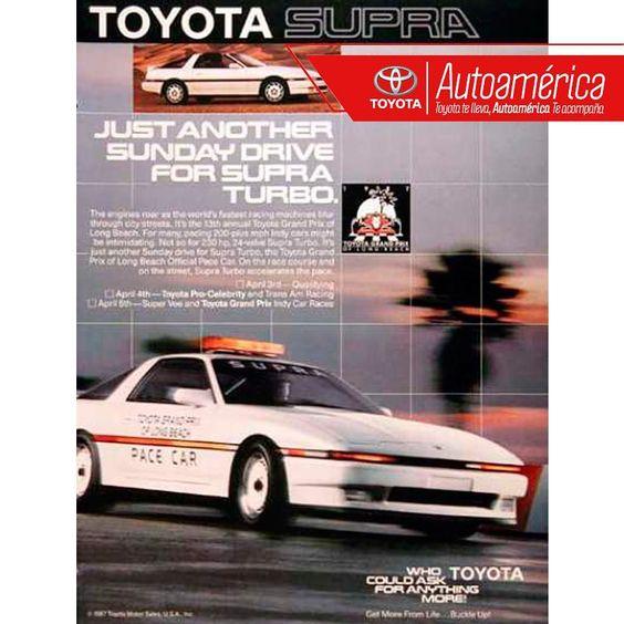 El #Toyota #Supra siempre ha sido uno de los deportivos más increíbles de la historia, de esta manera era presentado este hermoso modelo en 1986 #RetroAutoamérica. Imagen vía: http://goo.gl/ybpaOr