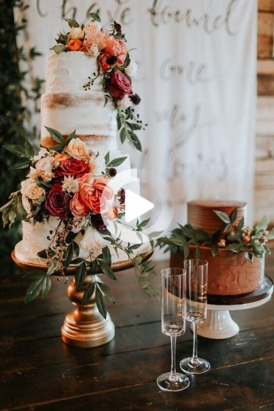 October Wedding Rust Bridesmaid Dresses Paired With Orange Bouquets And Rust Centerpieces In 2020 Wedding Cakes Vintage Wedding Cakes With Flowers Fall Wedding Cakes