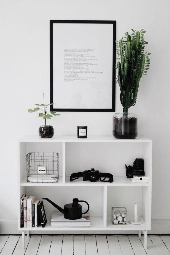 Minimalism and simplicity // scandinavian interior design // black and white decor
